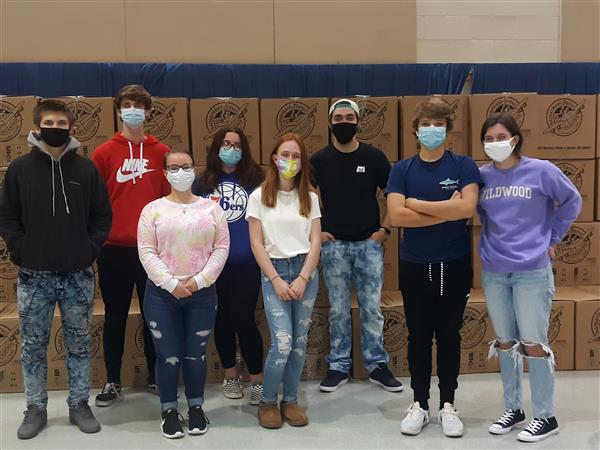 CRHS students volunteer with Operation Christmas Child