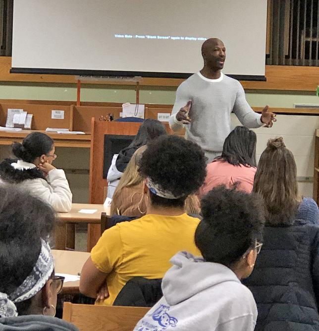 Jason Avant visits CRHS Business Academy